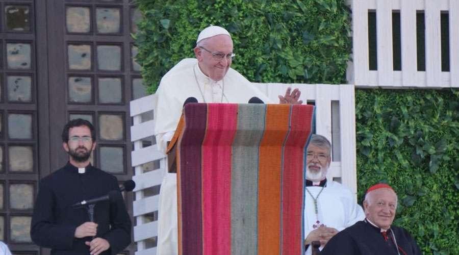 VIDEO || El  Santo Padre da la contraseña a los jóvenes en el Santuario de Maipú