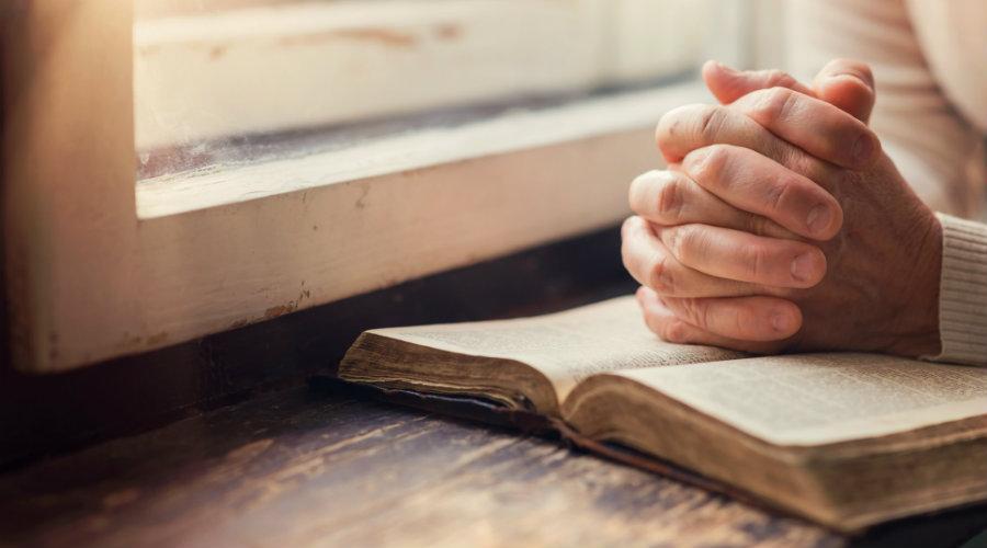 concejos para orar con biblia