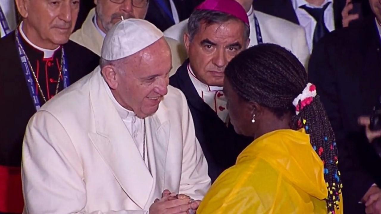 Mujeres comparten duro testimonio con el Papa Francisco