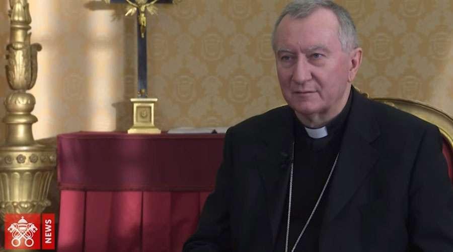 Cardenal Parolin durante la entrevista