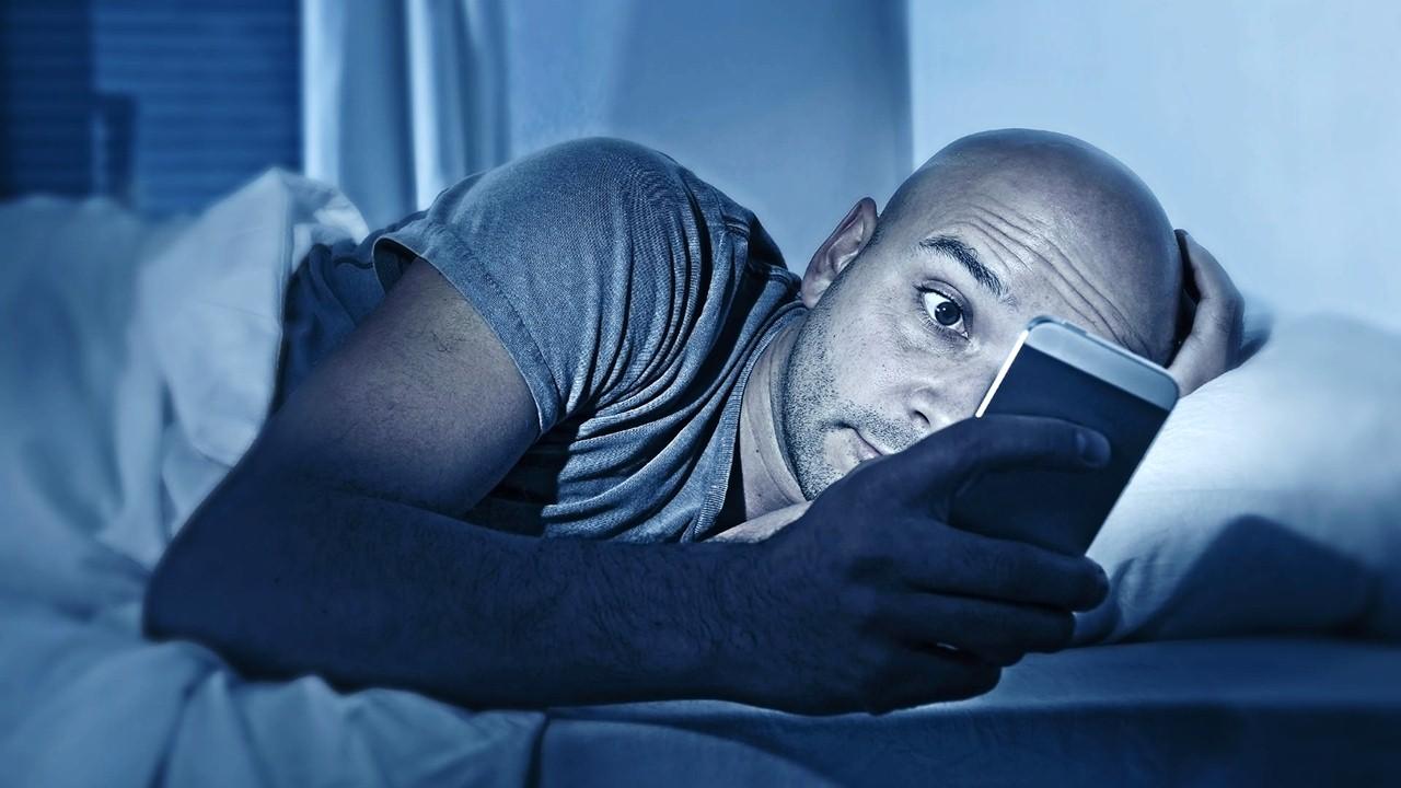 """Con el auge de las nuevas tecnologías y las redes sociales están tomando fuerza las """"cadenas de oración""""; que para lograr fines determinados, amenazan con un castigo a quien no las siga o comparta."""